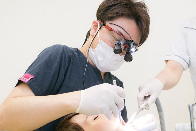 親知らずの抜歯やインプラント治療の豊富な実績、専門施設とのネットワークも整備