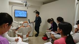 立川市高松町にあるくどう歯科クリニックで行われたBLS講習会