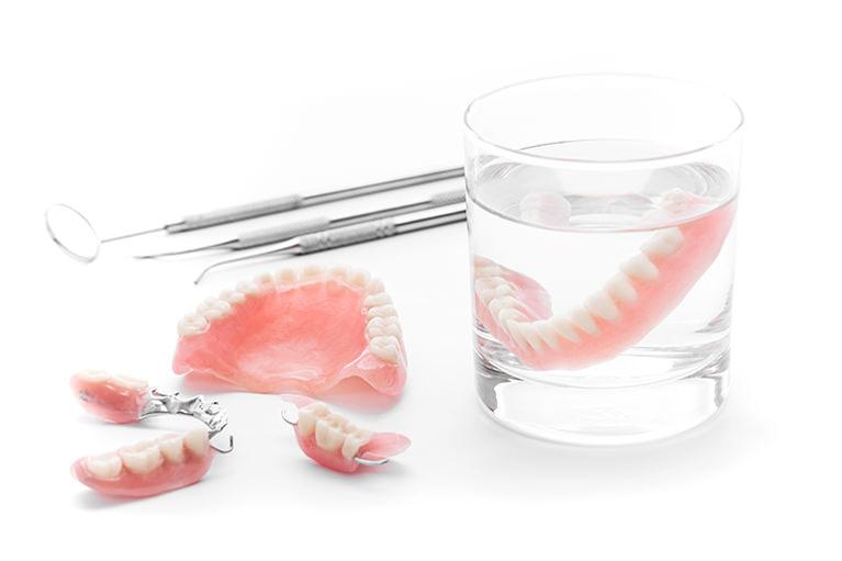 保険診療の入れ歯