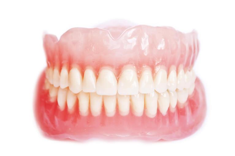 すべての治療に先駆けて、歯周病ケアを行います